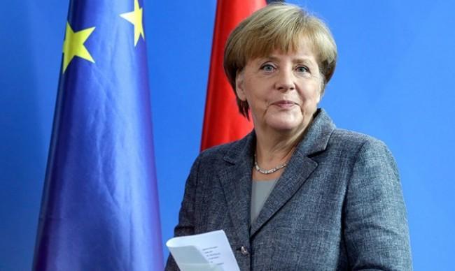 Меркел защити позицията си за отворени граници