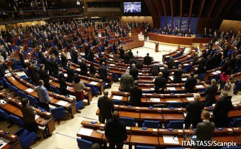 Външните министри на ЕС се срещат днес заради бежанската криза