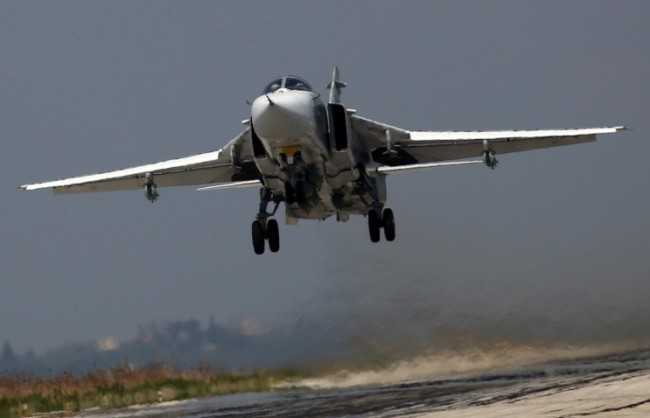 За три дни руската авиация в Сирия е нанесла удари по 448 обекта на ИД