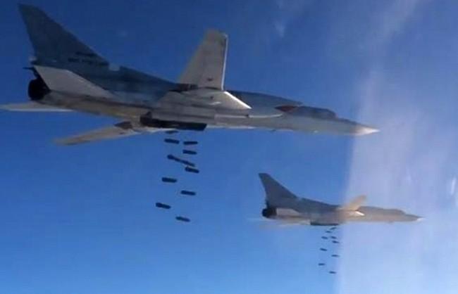 """ВКС на РФ нанесоха втори масиран удар по обекти на """"Ислямска държава"""" в Сирия"""