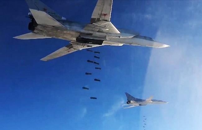За два дни ВКС на РФ са нанесли удари по 472 обекта на терористите в осем провинции в Сирия