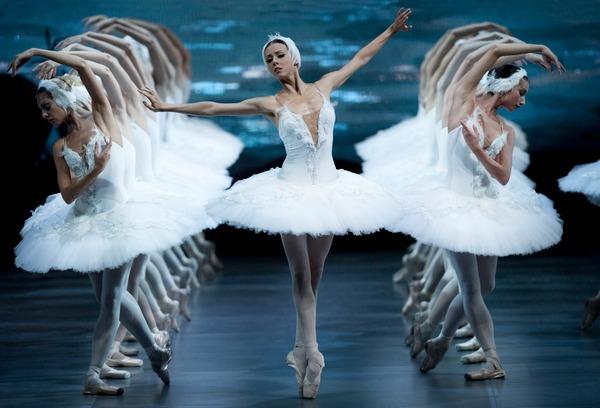 """""""Лебедово езеро"""" с оригиналната хореография на Мариус Петипа от преди 120 години днес и утре в Пловдив"""