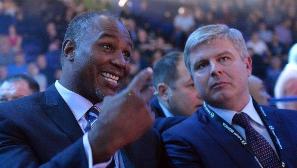 Екс-боксьорът Ленъкс Луис се е замисли за руско гражданство