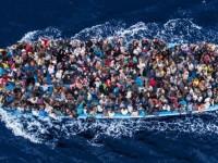 """Либия заплаши да изпрати """"стотици хиляди"""" мигранти към Европа"""