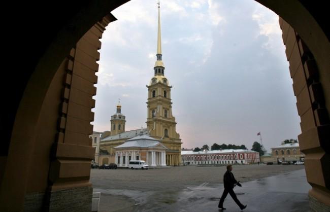 Отварянето на гробницата на Александър III започна във вторник в Петербург