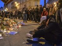 """""""Шарли ебдо"""" """"разведрява"""" французите с карикатура за атентатите"""