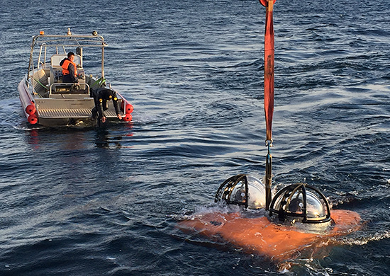 В Черно море успешно завършиха изпитанията на два обитаеми автономни подводни апарата