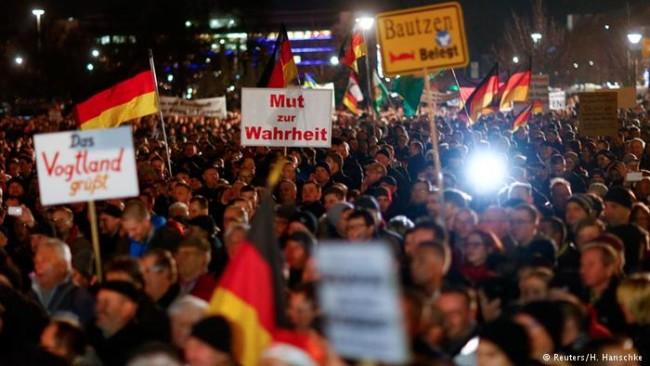 Демонстрантите в Дрезден: Меркел трябва да си ходи!
