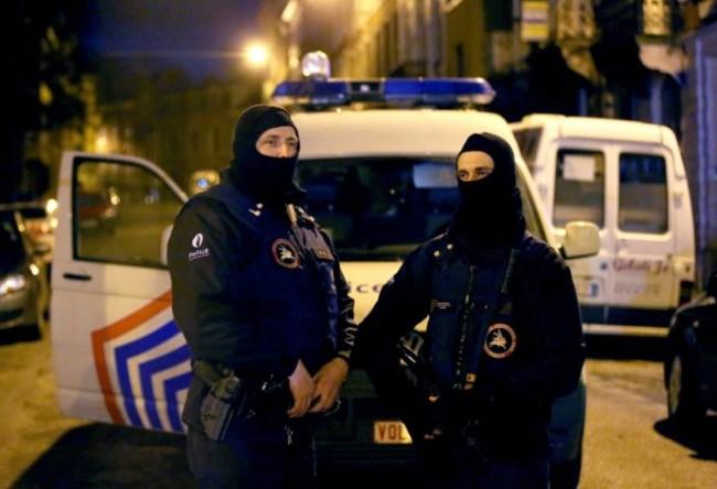 При мащабна антитерористична операция в Париж е заловен един от терористите