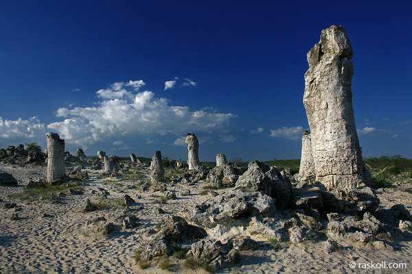Част от най-силните енергийни центрове в България ще бъдат показвани в два нови туристически маршрута