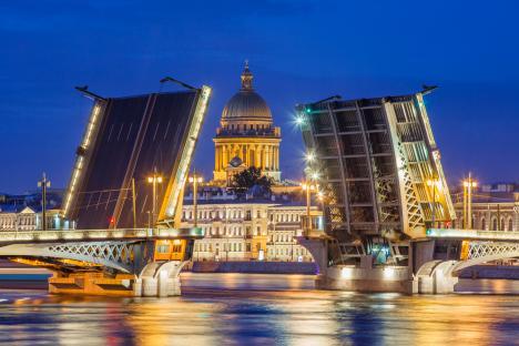 Пътуването до Санкт Петербург е фантастично преживяване, независимо от сезона. Снимка: Lori/Legion-Media.