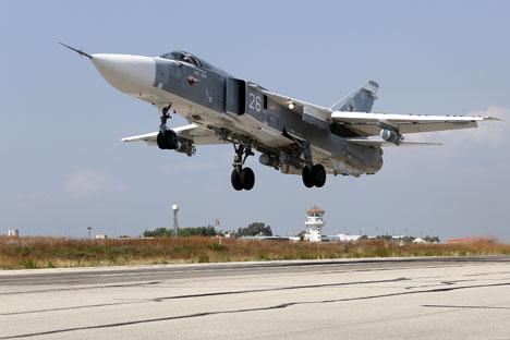 Сваленият Су-24: спасеният щурман и военният отговор на Москва