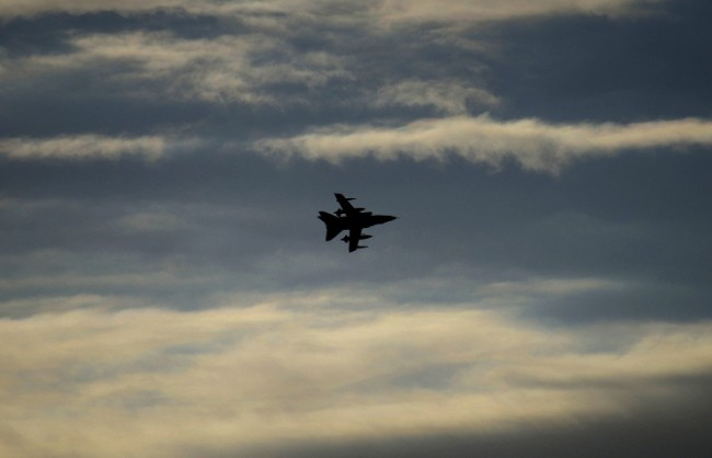 AFP: ВВС на западната коалиция по погрешка бомбардирали лагер на правителствените войски в Сирия