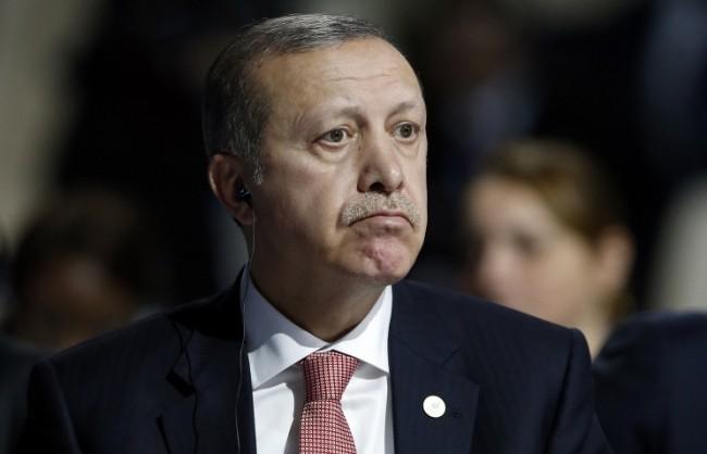 Ердоган отново отхвърли обвиненията за участието на турското ръководство в контрабандата на петрол