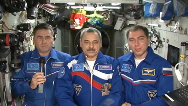 Космонавтите от МКС честитиха Новата година на Земята