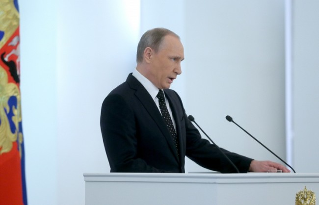 Путин започна посланието си към Федералното събрание с минута мълчание в памет на загиналите в Сирия руски военни