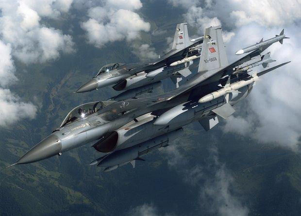 Ако турски самолет свали руски над България