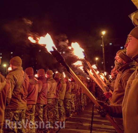 По време на нацистки марш в Мариупол е унищожен православен кръст