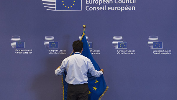 Daily Telegraph: ЕС е притиснат до стената, няма да се предаде без мръсна битка