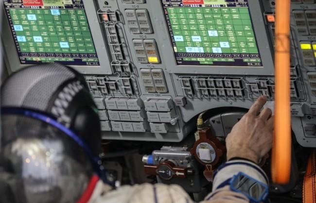 """""""Роскосмос"""" води преговори за подготовката на първия ирански космонавт"""