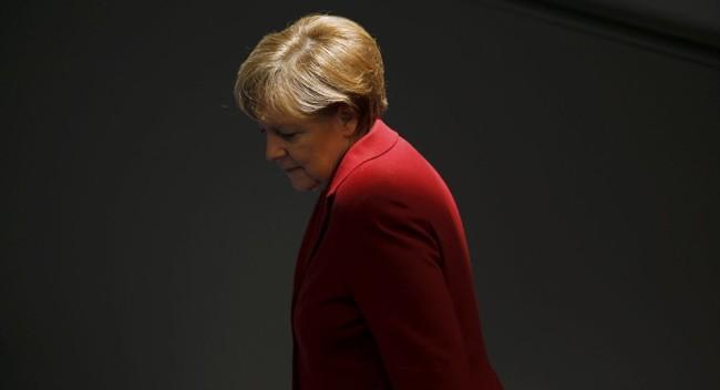 Boulevard Voltaire: Меркел се опитва да унищожи родината си и цяла Европа