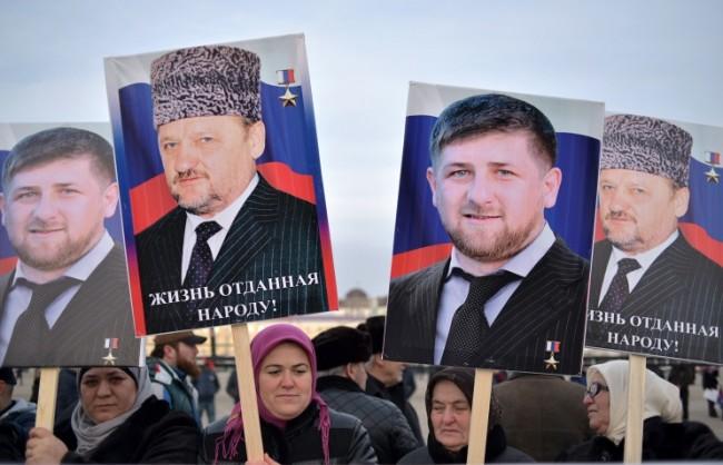 Близо милион се събраха на протест в Грозни в подкрепа на ръководството на Русия и Чечня