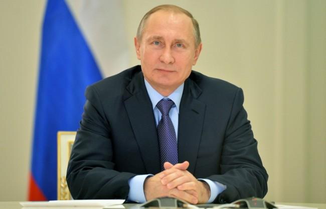 Путин: РФ ще продължи да развива демокрацията, усвоила урока от съветското еднопартийно управление