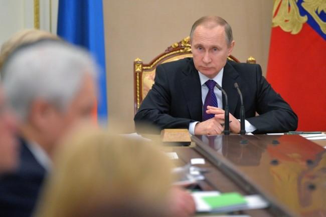 Путин цитира Висоцки в отговор на доклада на вицепремиера за преговорите в Давос