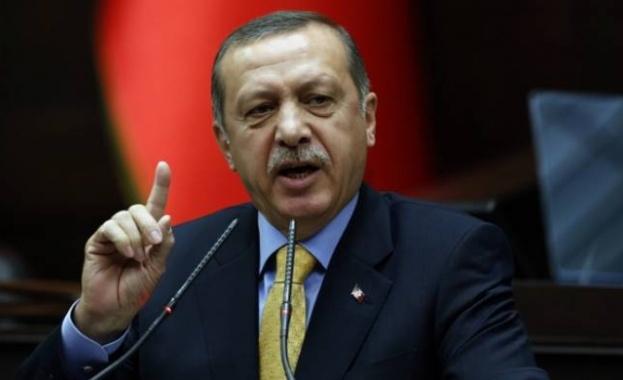 The New York Times: Реджеп Тайип Ердоган пресече поредната граница