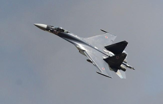 Пентагонът: Руски Су-27 е прехванал американски разузнавателен самолет над Черно море