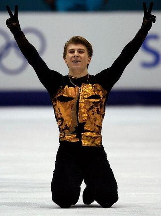 Олимпийският шампион АЛЕКСЕЙ ЯГУДИН в ледено шоу през  март 2016 в зала АРЕНА АРМЕЕЦ