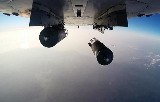 За 3 денонощия ВКС на РФ са поразили близо 900 обекта на терористите в Сирия