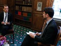 Медведев: Русия няма да моли Запада да отмени санкциите