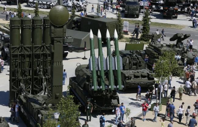СИПРИ: САЩ и Русия остават най-големите износители на оръжия в света