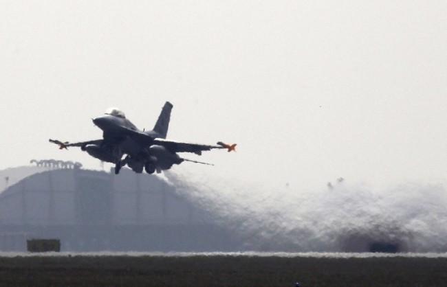 New York Times: САЩ нанесоха въздушни удари по позиции на ИД в Либия