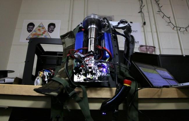 Русия разработва бойни екзоскелети, управлявани със силата на мисълта