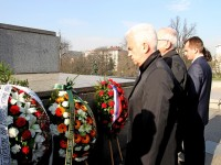 """""""Атака"""" поднесе венци пред паметника на Съветската армия"""