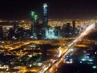 "WSJ: Саудитска Арабия играе ""нефтен покер"" и губи"