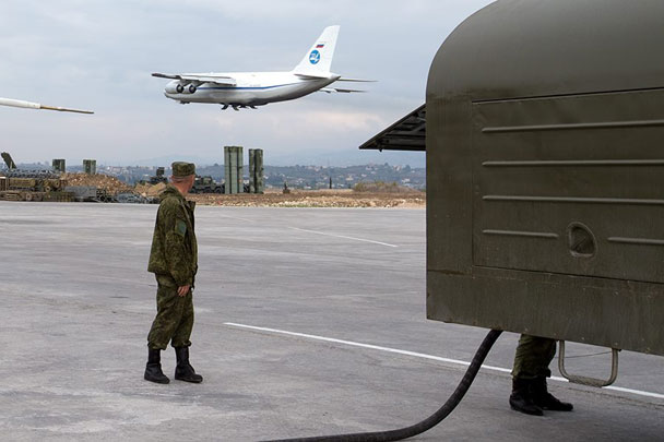 """Китайски анализатори нарекоха """"умна стъпка"""" изтеглянето на Русия от Сирия"""