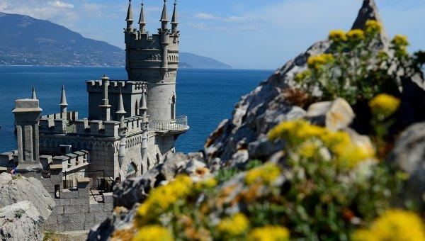 Евродепутати на визита в Крим искат да се върнат през лятото като туристи