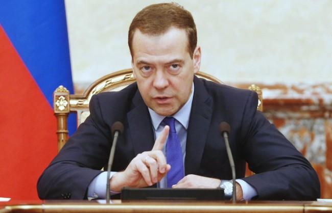 Медведев: Русия ще отмени ответните санкции след прекратяването на външния натиск от Запада