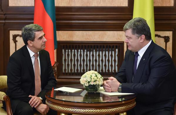 """Плевнелиев ще бъде удостоен с приза """"Личност на годината – 2015"""" на Украйна"""