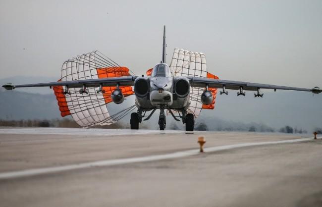 Руското министерство на отбраната публикува видео на излитането на самолетите на ВКС от Сирия