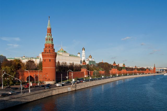 Политолог: Русия оспорва позициите на Запада, който губи мощ и влияние
