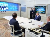 Путин поздрави екипажа на МКС по случай Деня на космонавтиката