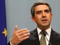 Повече от половината българи не одобряват президента Плевнелиев