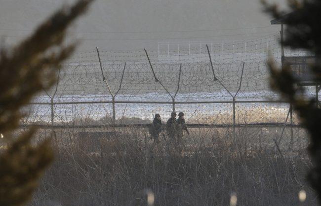 Бреговата охрана на Северна Корея е задържала руска яхта в неутралните води на Японско море
