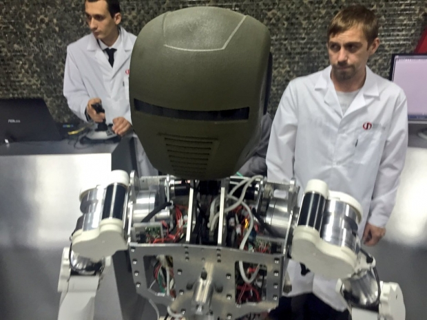 """Появиха се снимки на най-новите руски роботи """"Рис-БП"""" и """"Аватар"""""""