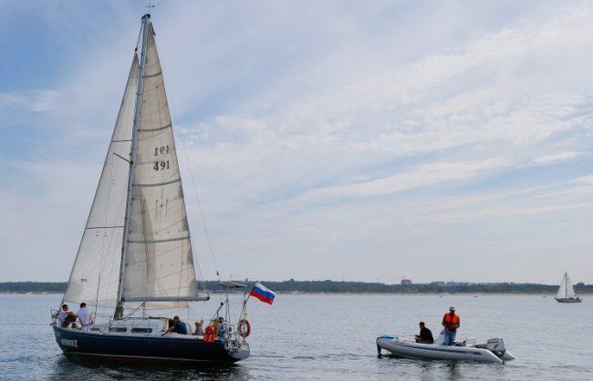 Посолството на РФ поиска от Северна Корея да освободи руската яхта и екипажа й