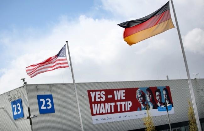 Süddeutsche Zeitung: САЩ оказват силен натиск върху ЕС на преговорите за свободната търговия